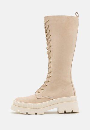Platform boots - nude
