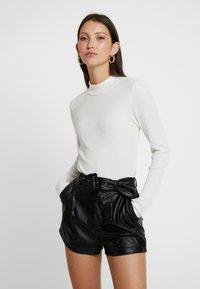 Vero Moda - VMWILMA  HIGH NECK - Long sleeved top - cloud dancer - 0