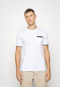 Pier One - T-shirt med print - white - 0
