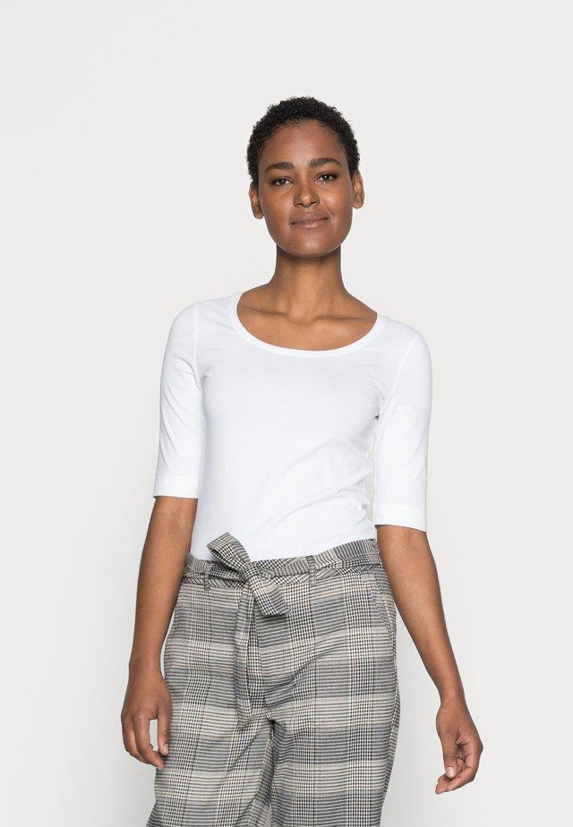 SANIKA  - T-shirt basic - white