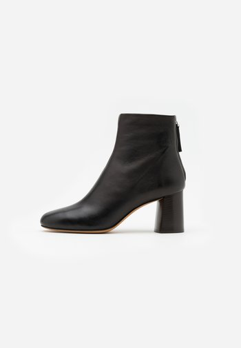 NADIA SOFT HEEL BOOT