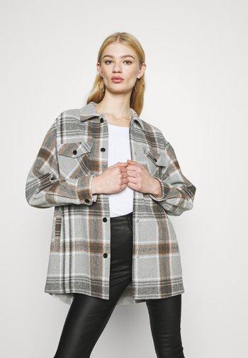 ONLELLENE VALDA CHACKET - Summer jacket - chipmunk