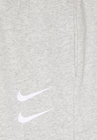 Nike Sportswear - PANT - Pantaloni sportivi - grey heather/(white)