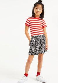 WE Fashion - MET STREEPDESSIN - Shorts - dark grey - 0