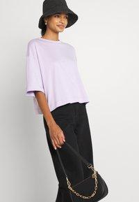 EDITED - SILA - Basic T-shirt - pastel lilac - 3