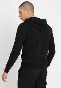 AllSaints - BRACE HOODY - Mikina na zip - black - 2
