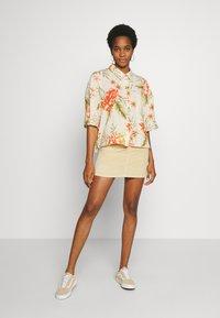 Billabong - ISA ISLAND - Button-down blouse - pistachio - 1