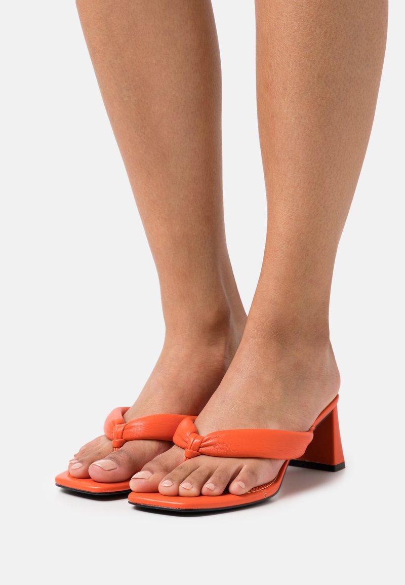 River Island - Pantofle na podpatku - orange