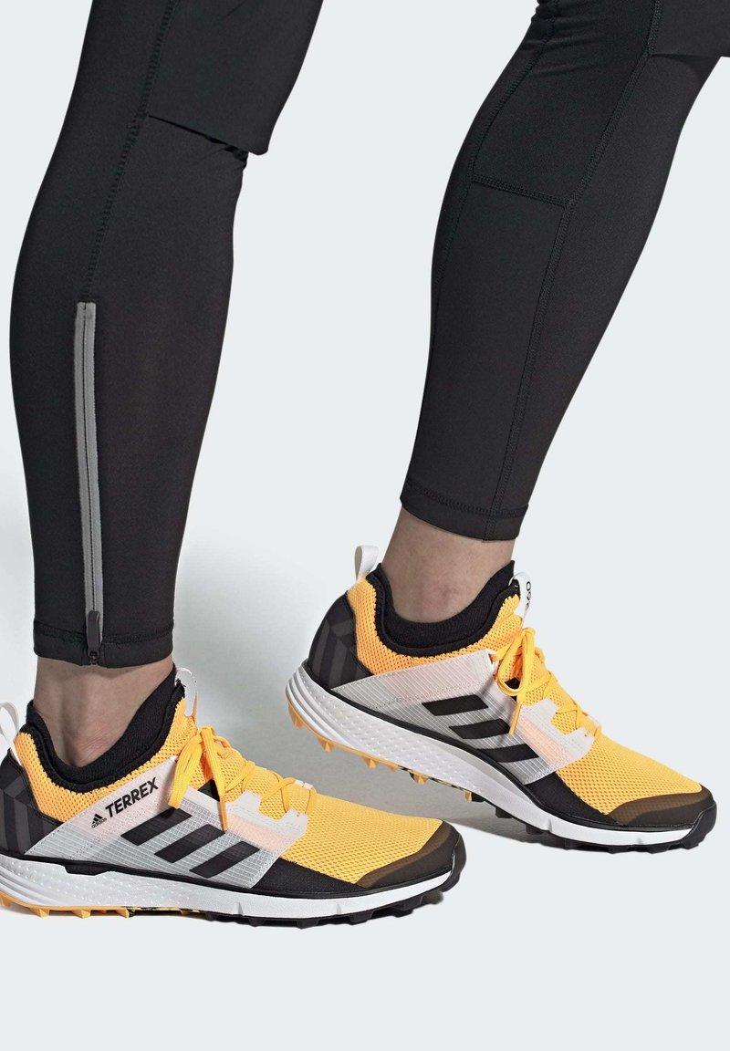 adidas Performance - TERREX SPEED LD TRAIL RUNNING SHOES - Obuwie do biegania Szlak - gold