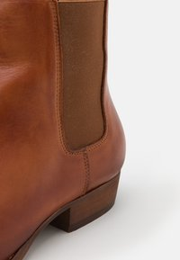 Bianco - BIABECK CHELSEA BOOT - Classic ankle boots - brandy - 5