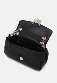Valentino Bags - PERLA - Across body bag - nero - 2