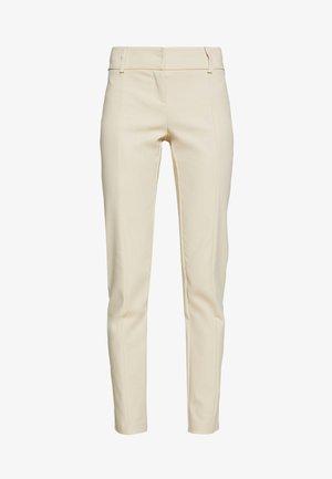 LOW FIT PANT - Kalhoty - antica beige