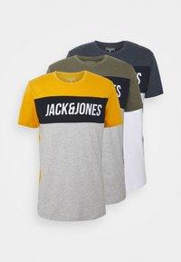Jack & Jones - JCOTEMPTEE CREW NECK 3 PACK - T-shirt med print - navy blazer - 0