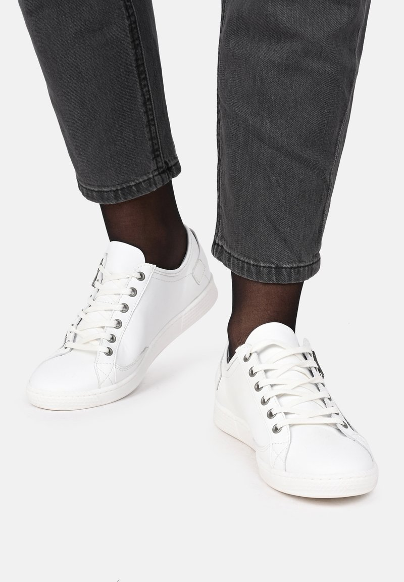 Pataugas - JESTER ZIP UP TRAINERS - Trainers - off-white