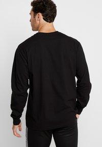 Napapijri The Tribe - SOX - Langærmede T-shirts - black - 2