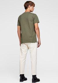Jack & Jones - HOCHWERTIGES - Basic T-shirt - green - 2