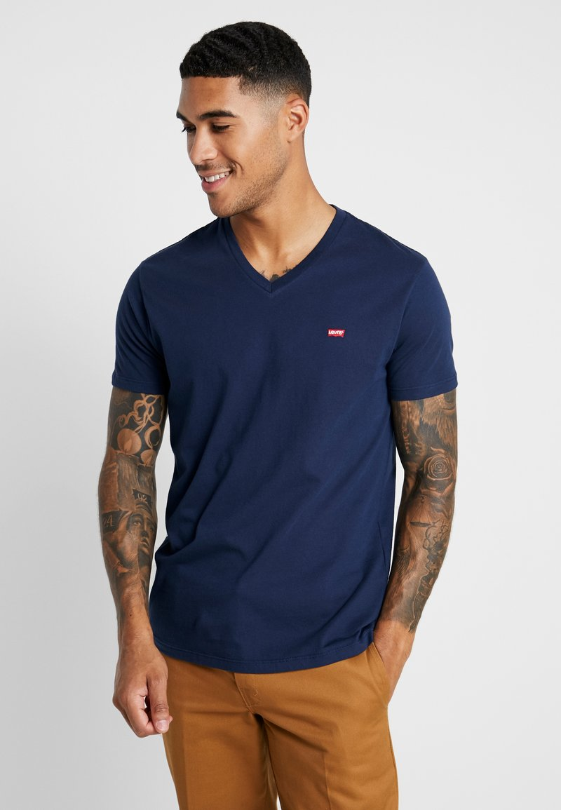 Levi's® - VNECK - T-shirt z nadrukiem - dress blues