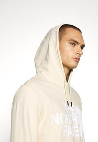 The North Face - STANDARD HOODIE - Huppari - bleached sand - 3