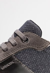 Geox - AIRELL - Sneakers - dark grey/gun - 2