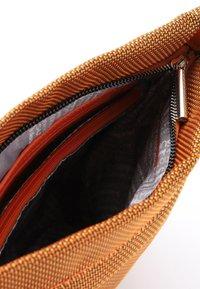 SURI FREY - MARRY - Across body bag - orange 610 - 4