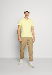 Levi's® - ORIGINAL TEE - T-shirt basic - dusky citron - 1