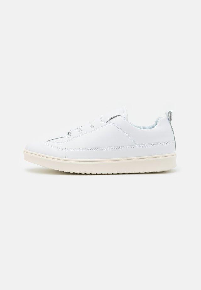 MACRO - Trainers - white