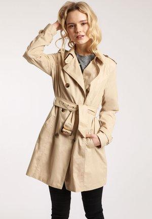 MIT GÜRTEL - Trenchcoat - beige
