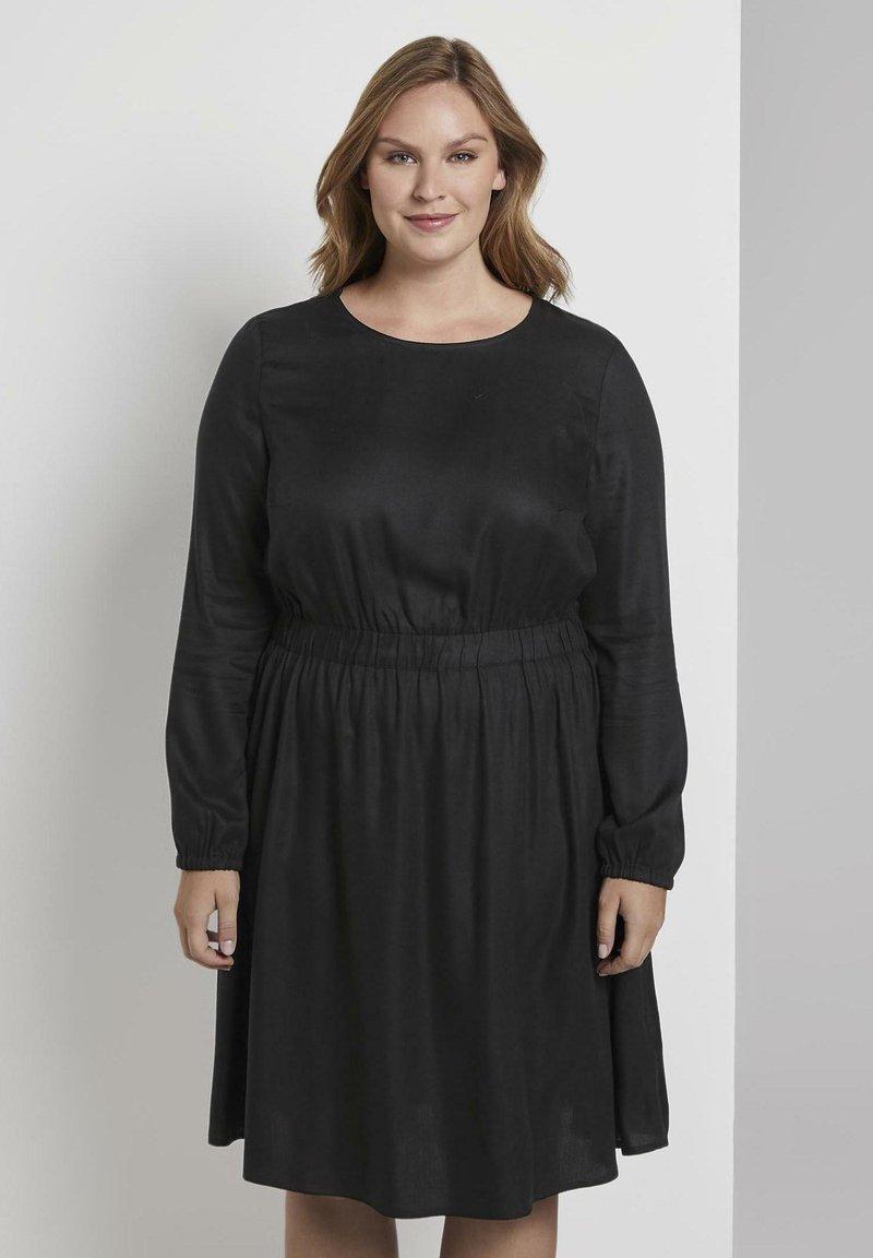 MY TRUE ME TOM TAILOR - FLUENT ELASTIC WAIST DRESS - Day dress - black