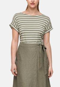 s.Oliver - Print T-shirt - summer khaki stripes - 3