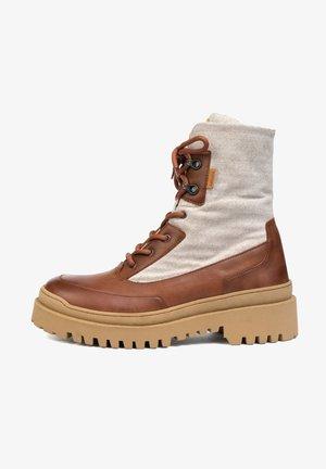 MIKE - Chaussures de marche - cognac