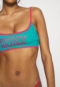 Tommy Hilfiger - POP BRALETTE - Top de bikini - calypso green - 5