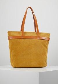 Liebeskind Berlin - Tote bag - tawny yellow - 2