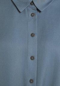 Object Petite - OBJTILDA KARLA 2/4 - Button-down blouse - blue mirage - 2
