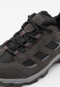 Jack Wolfskin - VOJO 3 TEXAPORE LOW  - Hikingsko - dark steel/purple