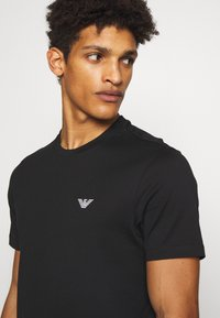 Emporio Armani - T-shirt basic - black - 3