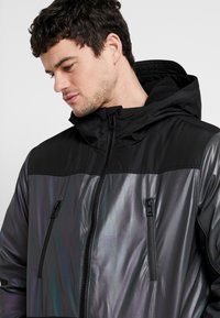 Topman - IRRESDESCENT PUFFER - Giacca invernale - black - 3