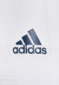 adidas Golf - PRIME - Print T-shirt - white/grey - 2