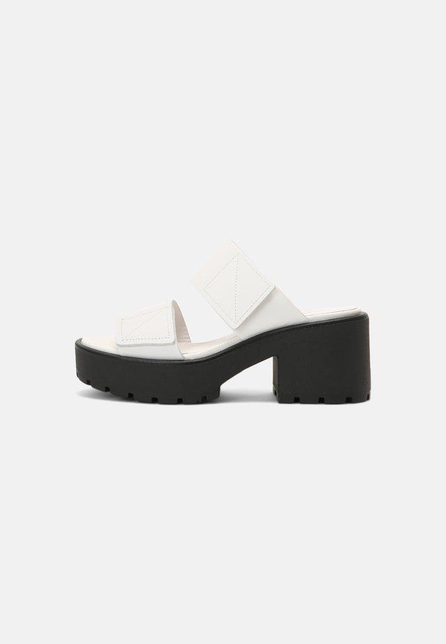 DIOON - Klapki - white
