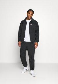 Nike Sportswear - Chaqueta fina - black - 1