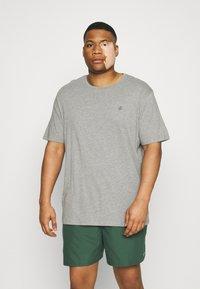 Jack & Jones - JORJXJ TEE CREW NECK 5 PACK - Basic T-shirt - white - 3
