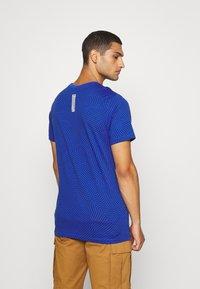 Nike Sportswear - Print T-shirt - game royal - 2