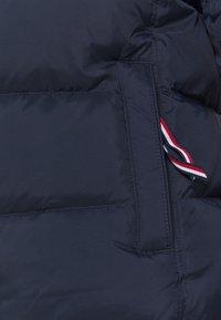 Tommy Hilfiger - GLOBAL STRIPE - Down jacket - desert sky - 8