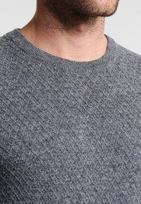 Pier One - Stickad tröja - mottled grey - 3