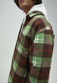 PULL&BEAR - Skjorta - mottled green - 4