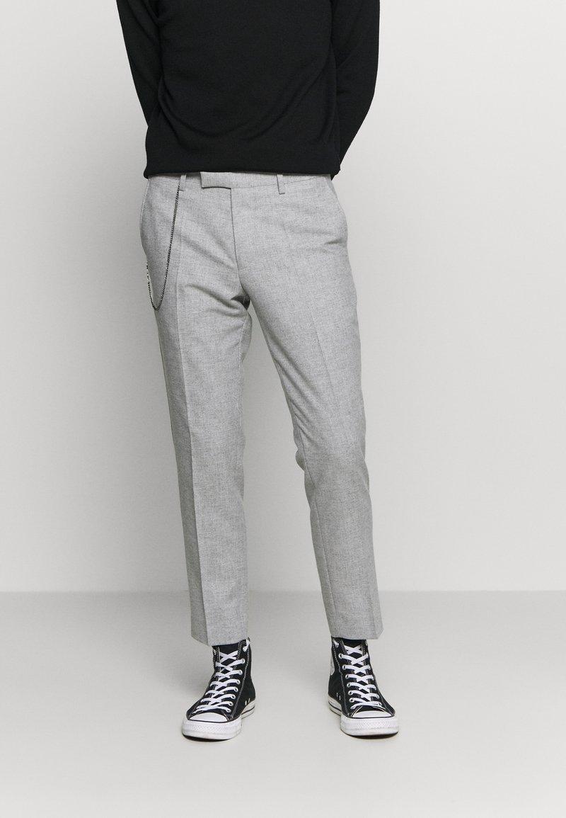Twisted Tailor - MOONLIGHT CHAIN TROUSER - Pantaloni - light grey