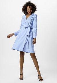 Apart - DRESS - Robe d'été - lightblue - 1