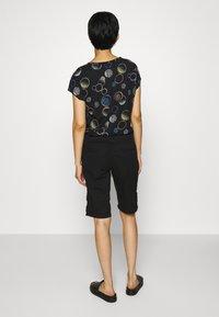 s.Oliver - Shorts - black - 3