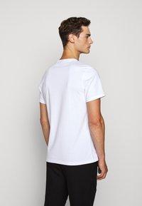 Barbour International - BURN TEE - Print T-shirt - white - 2