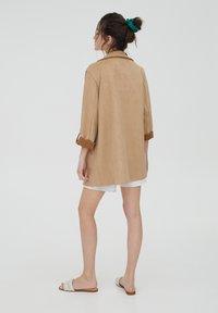 PULL&BEAR - Short coat - mottled beige - 2