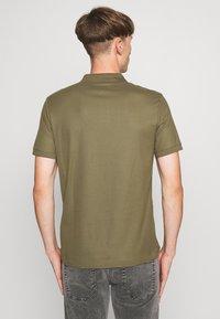 Calvin Klein - REFINED LOGO SLIM - Polo - green - 2
